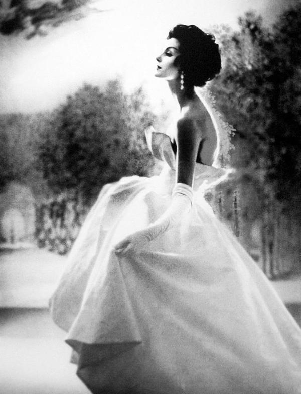 Photographed by Lillian Bassman. Fotografija i moda: Dodir zlatnog Holivuda