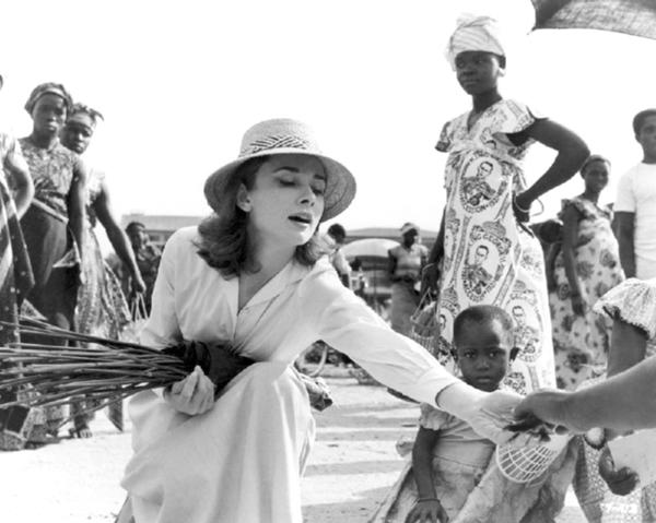 Slika 4 Odri Hepbern u Kongu 1959 Dan za podsećanje na Audrey Hepburn