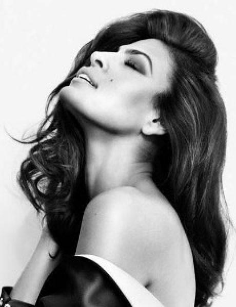 "Modni zalogaj: Eva Mendes na naslovnici magazina ""Marie Claire"""