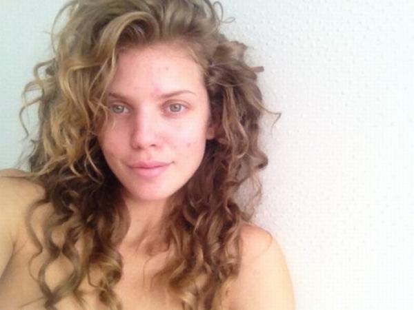 nomake Trach up: AnnaLynne McCord bez šminke