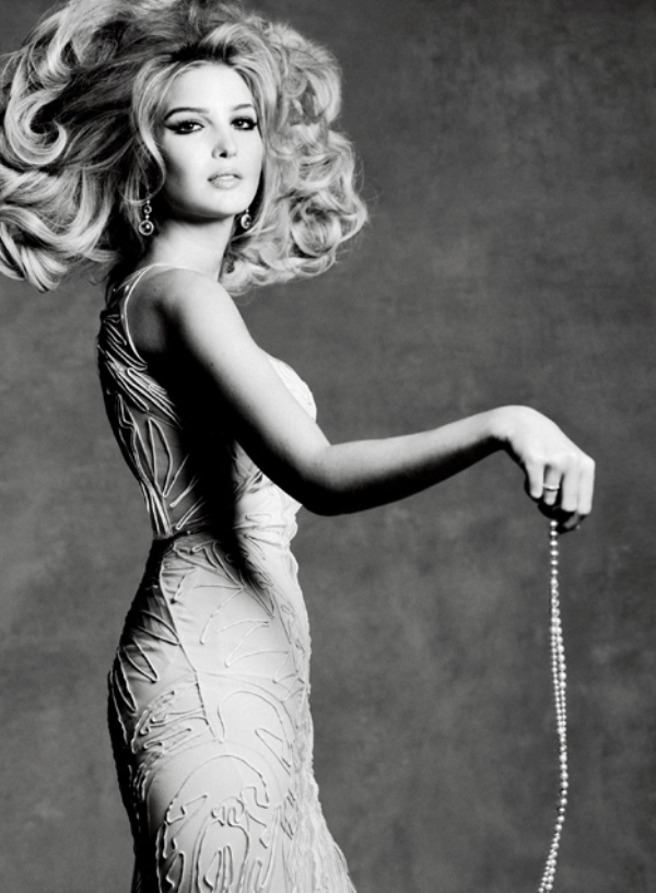 1. Ivanka nosi haljinu Zac Posen dok su min u e i ogrlica iz njene kolekcije Top 10 ženskih modnih uzora
