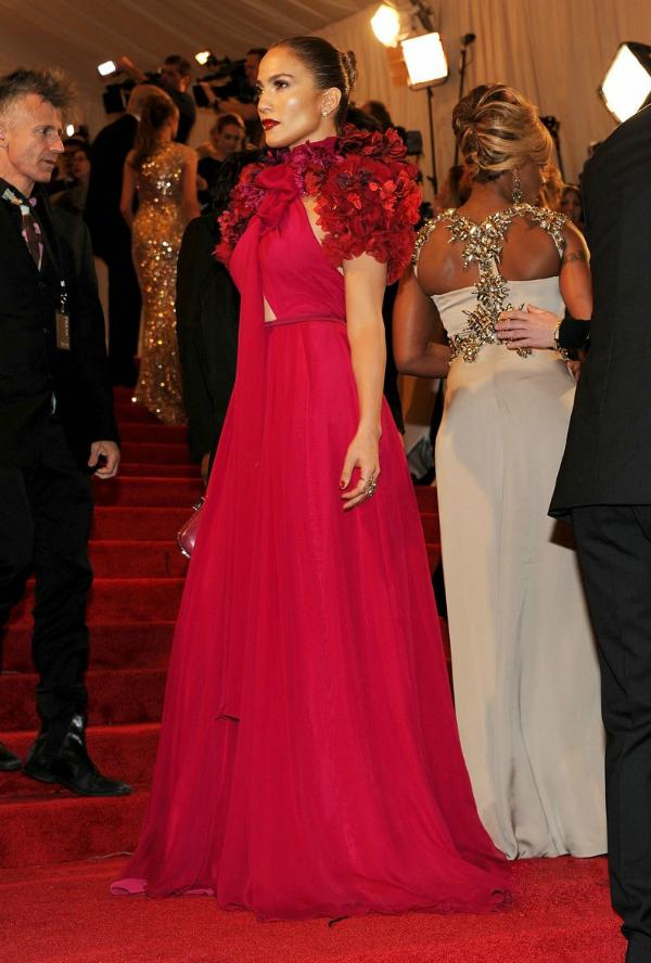 1a Trend sa crvenog tepiha: Crvene haljine