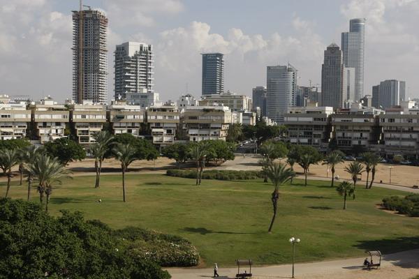 24 Trk na trg: כיכר המדינה, Tel Aviv