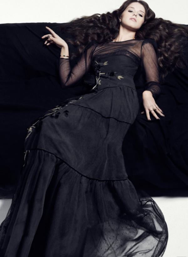 8. Zavidimo Ketrin na Valentinovoj kreaciji koju nosi Top 10 ženskih modnih uzora