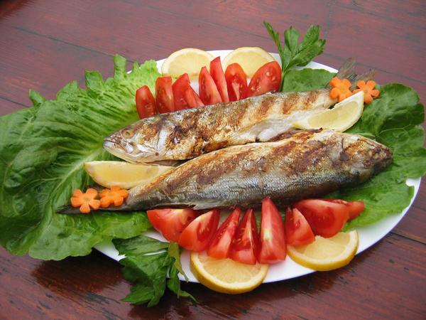Slika 1 riba Pet namirnica za dobro raspoloženje