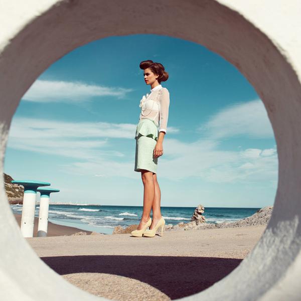 Slika 261 Quality Magazine: Dama među talasima