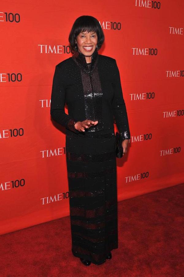 Slika 3 Ovako je premijerka izgledala na dodeli nagrada magazina Time Magazine Stil moćnih ljudi: Portia Simpson Miller, Get Up Stand Up
