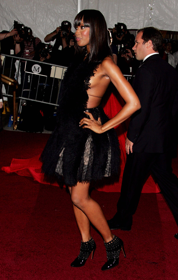 Slika 4 Azzedine Alaia 10 odevnih kombinacija: Naomi Campbell