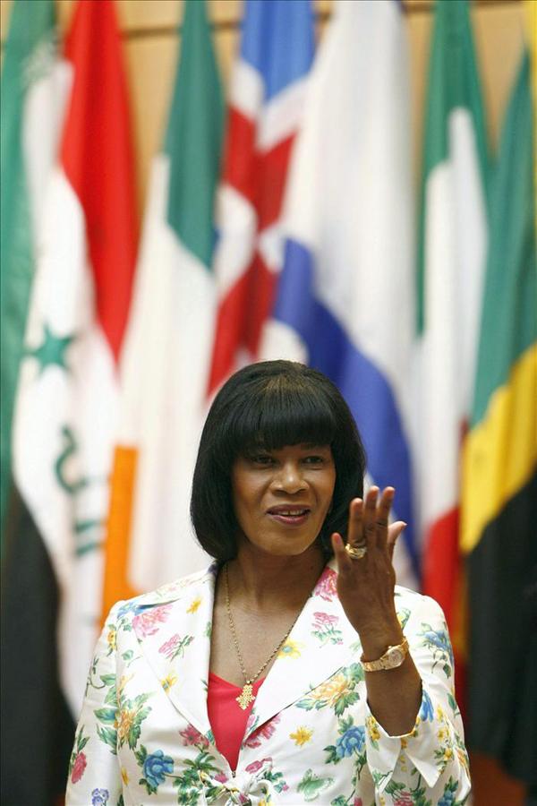 Slika 4 Porsa u bojama rodnog ostrva Stil moćnih ljudi: Portia Simpson Miller, Get Up Stand Up