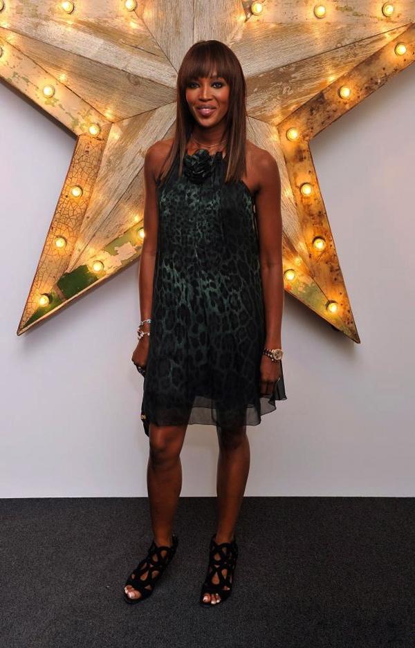 Slika 6 DG 10 odevnih kombinacija: Naomi Campbell