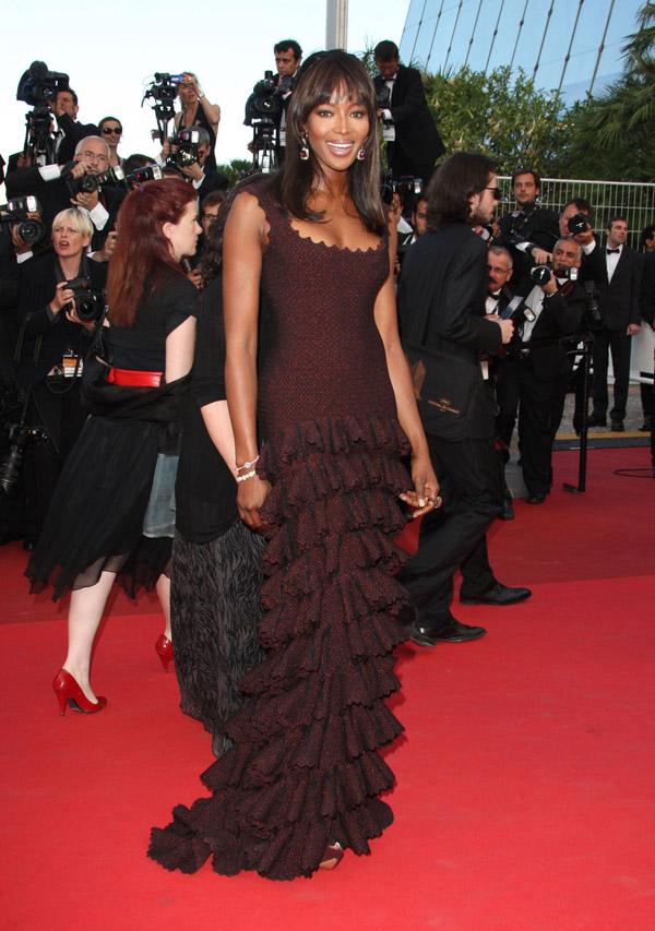 Slika 9 Azzedine Alaia 10 odevnih kombinacija: Naomi Campbell