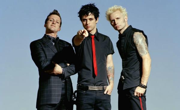 foto121 Green Day objavljuju tri nova albuma