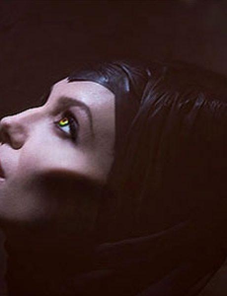 Trach Up: Angelina Jolie je zla kraljica