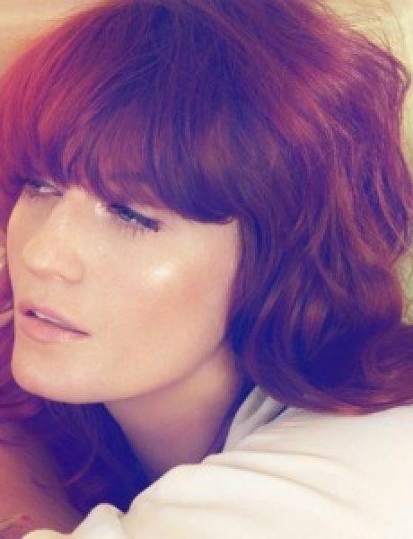 "Modni zalogaj: Florence Welch na naslovnici magazina ""Harper's Bazaar"""