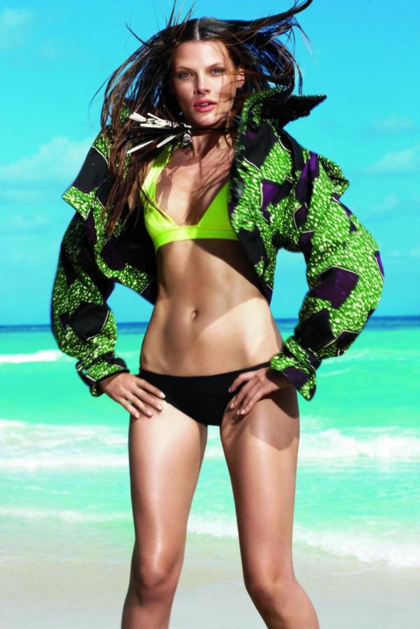 """slika 518 """"Elle Mexico"""": Modiranje na plaži"""