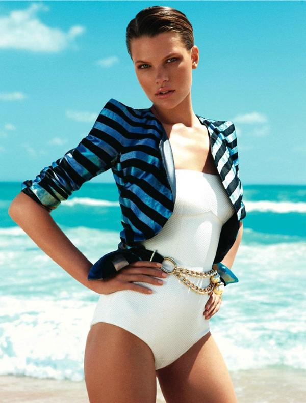 """slika 713 """"Elle Mexico"""": Modiranje na plaži"""