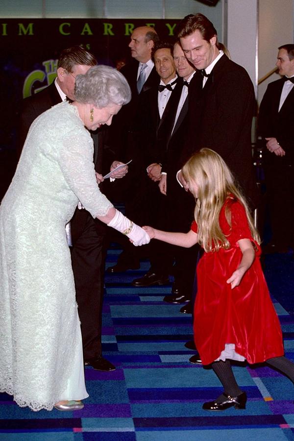 slika104 Kraljica Elizabeta upoznaje Hollywood