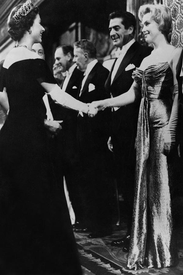 slika131 Kraljica Elizabeta upoznaje Hollywood