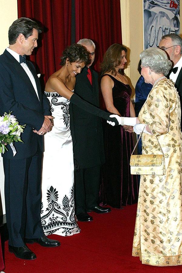 slika67 Kraljica Elizabeta upoznaje Hollywood