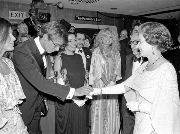 slika77 Kraljica Elizabeta upoznaje Hollywood