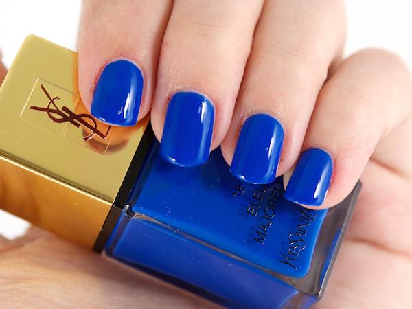 111 Plavi lak za nokte: Trend ili nesigurnost?
