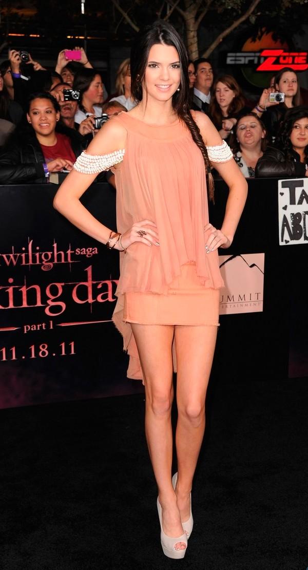 120 10 odevnih kombinacija: Kendall Jenner