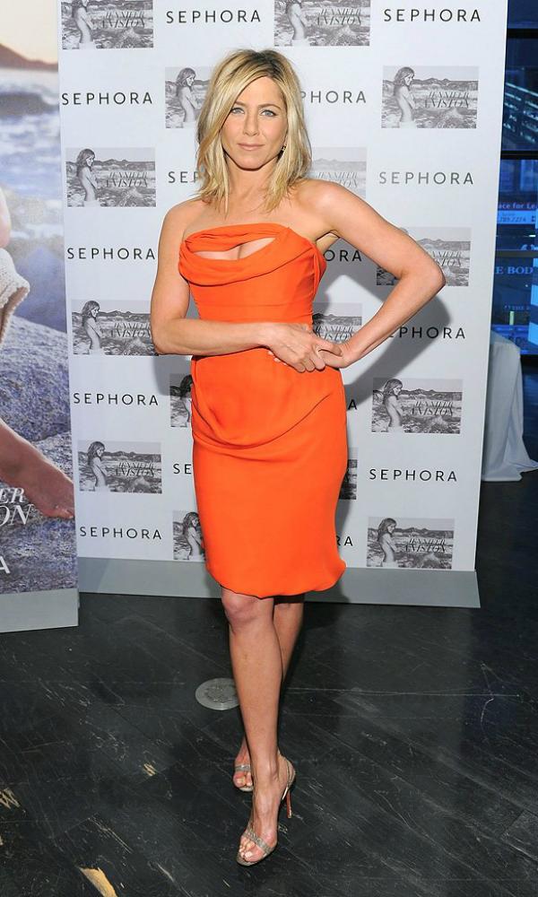 4  10 odevnih kombinacija: Jennifer Aniston