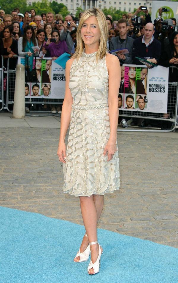 6  10 odevnih kombinacija: Jennifer Aniston