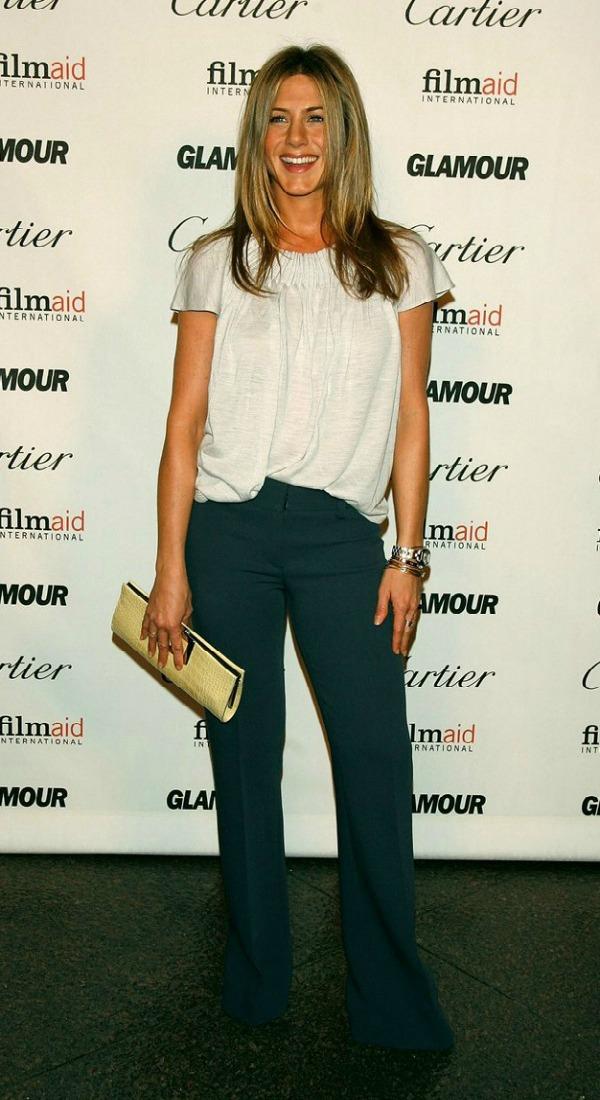 99 10 odevnih kombinacija: Jennifer Aniston