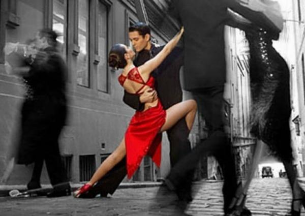 Slika 189 Tango: Ples u kojem je žena stvarno žena