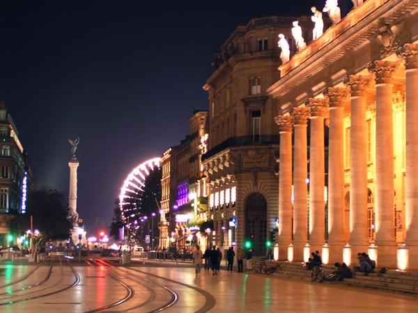 Slika 235 Trk na trg: Place des Quinconces, Bordo