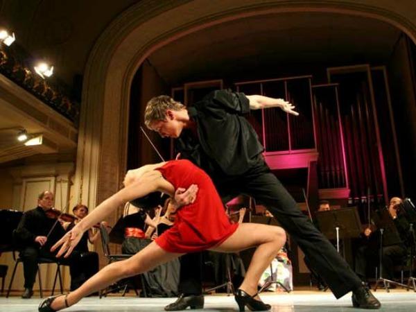 Slika 269 Tango: Ples u kojem je žena stvarno žena