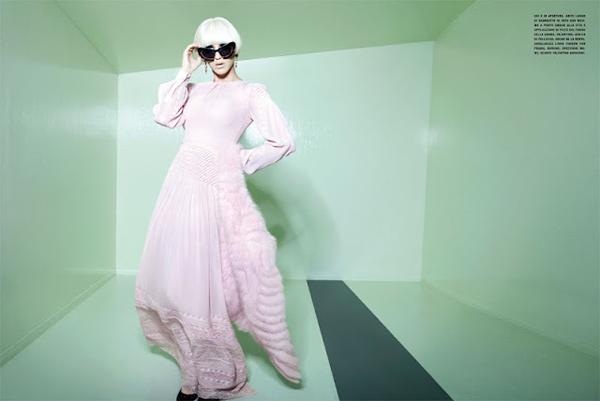"""Slika 36 """"Vogue Italia"""": Na putu za sutra"""