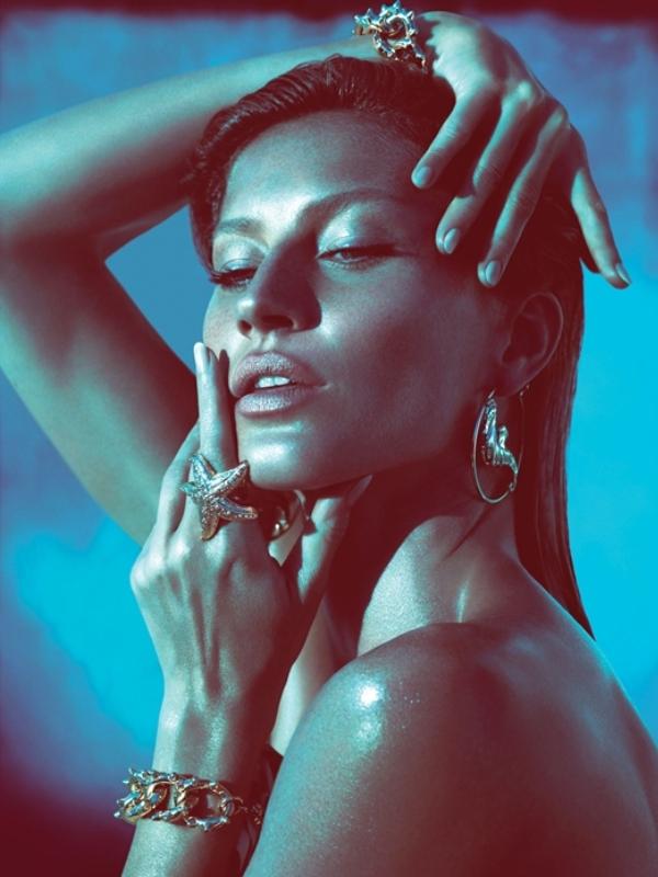 Slika 64 Versace: Verni svojim navikama