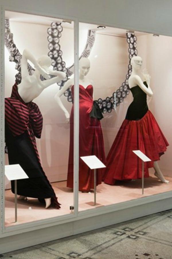 foto12 London: Izložba balskih haljina u muzeju Victoria i Albert