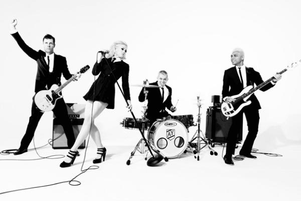 foto17 Novi singl benda No Doubt