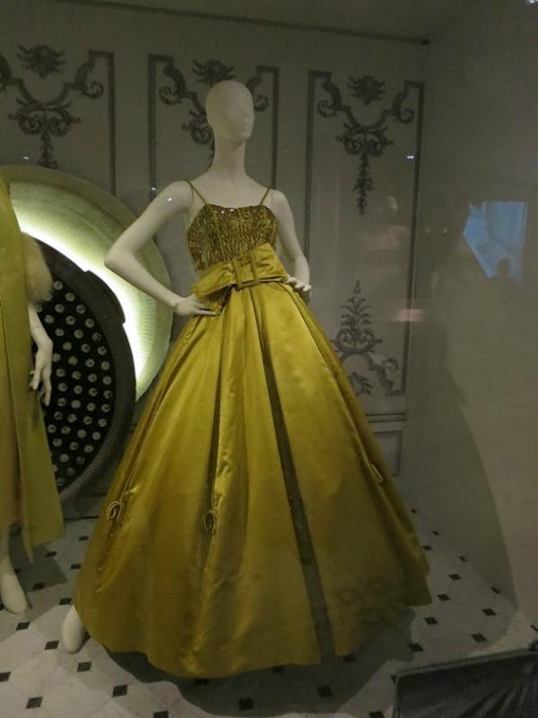foto21 London: Izložba balskih haljina u muzeju Victoria i Albert