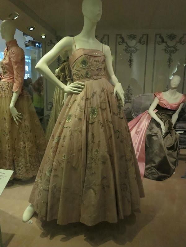 foto33 London: Izložba balskih haljina u muzeju Victoria i Albert