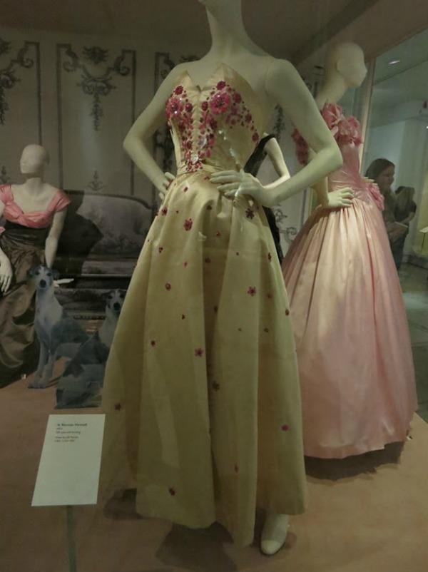 foto41 London: Izložba balskih haljina u muzeju Victoria i Albert