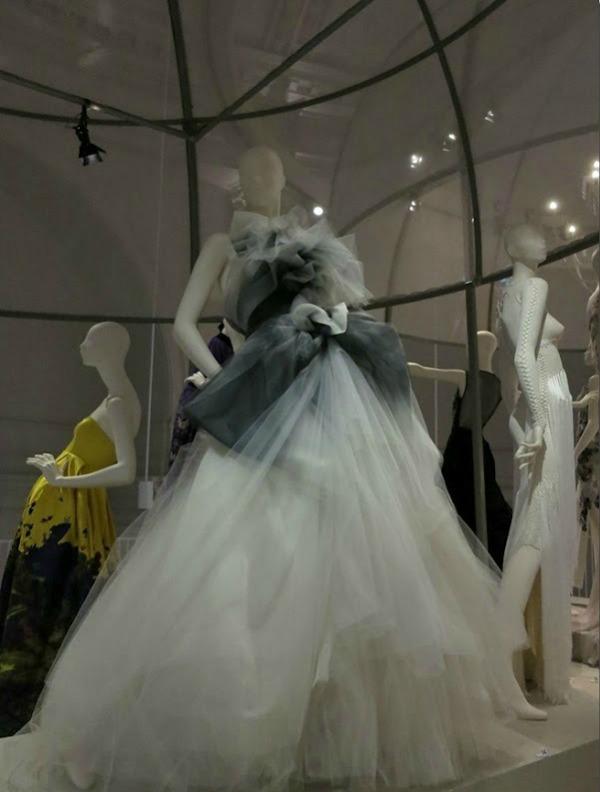 foto72 London: Izložba balskih haljina u muzeju Victoria i Albert