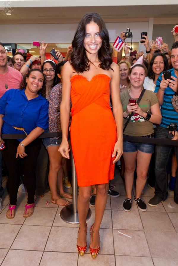 slika 65 10 odevnih kombinacija: Adriana Lima