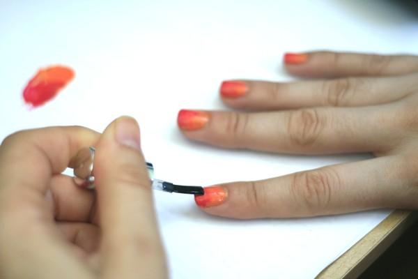 slika 72 Uradi sam: Ombre na noktima