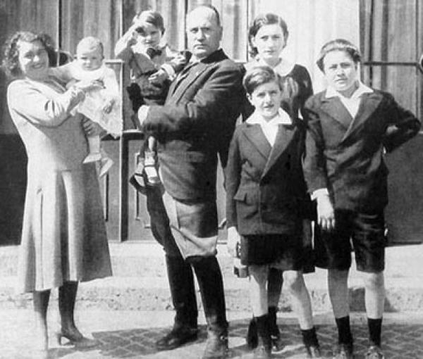 slika1 izvor guerramondiale2.blogspot.com  Srećan rođendan, Benito Mussolini!