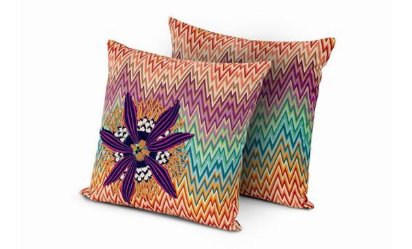 20 Floral Patterned Pillows For Feminine Spaces 1 Trend u enterijeru: Jastuci sa cvetnim printom