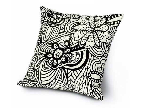20 Floral Patterned Pillows For Feminine Spaces 20 Trend u enterijeru: Jastuci sa cvetnim printom