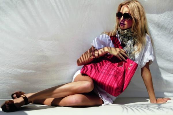 23 Louis Vuitton: Poppy Delevigne na odmoru