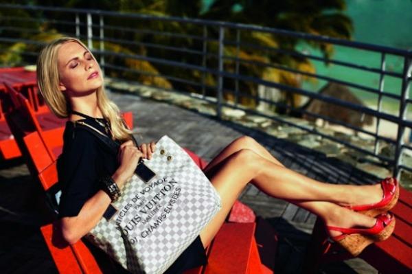 52 Louis Vuitton: Poppy Delevigne na odmoru