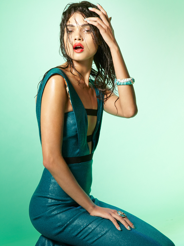 "Daniela Braga by Nico Iliev Aqua Marine Tantalum 12 Summer 2012 8 ""Tantalum Magazine"": Plavetnilo mora"