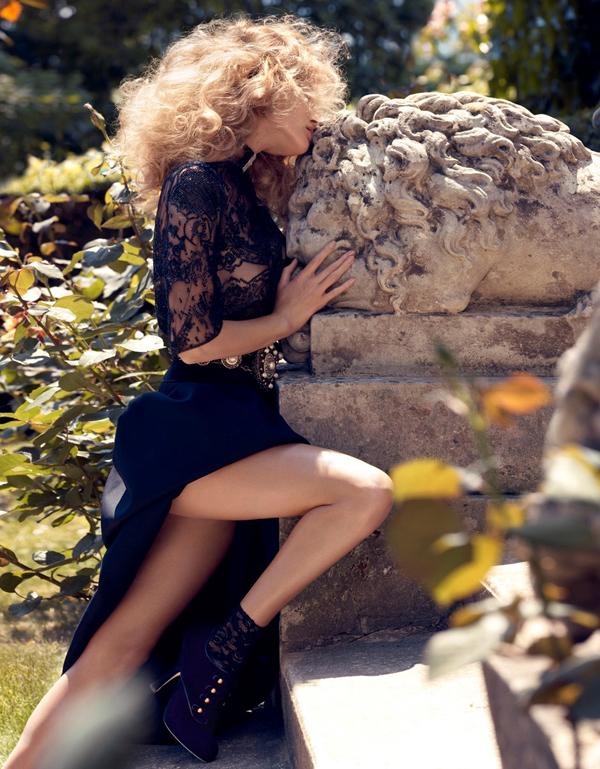 Edita Vilkeviciute by Camilla Akrans Remembered Vogue Japan: Glamurozna jesen
