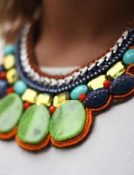 Kako nositi upadljiv nakit